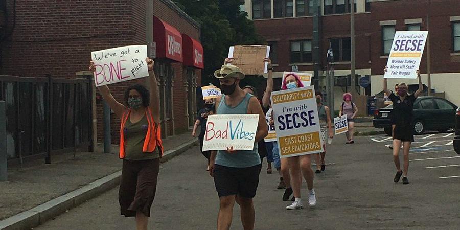 SECSE workers on strike